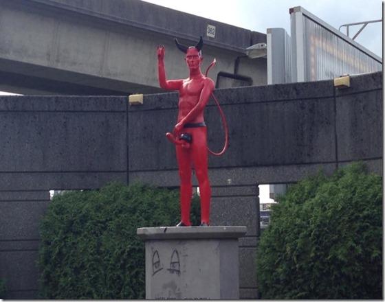 devil-penis-statue-vancouver1-800x600